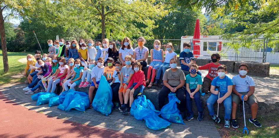 Wir sammeln Müll! – Schülerinnen und Schüler gehen gegen die Umweltverschmutzung vor
